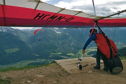 Paragliding, Hang-Gliding at Emberger Alm